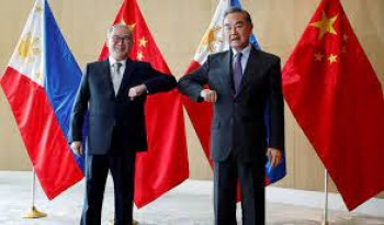 Manila extends olive branch to Beijing