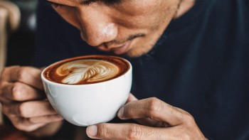Heart symptoms may affect how much coffee people drink