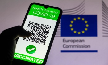 Smartphone app enables users to keep COVID-19 vaccination records